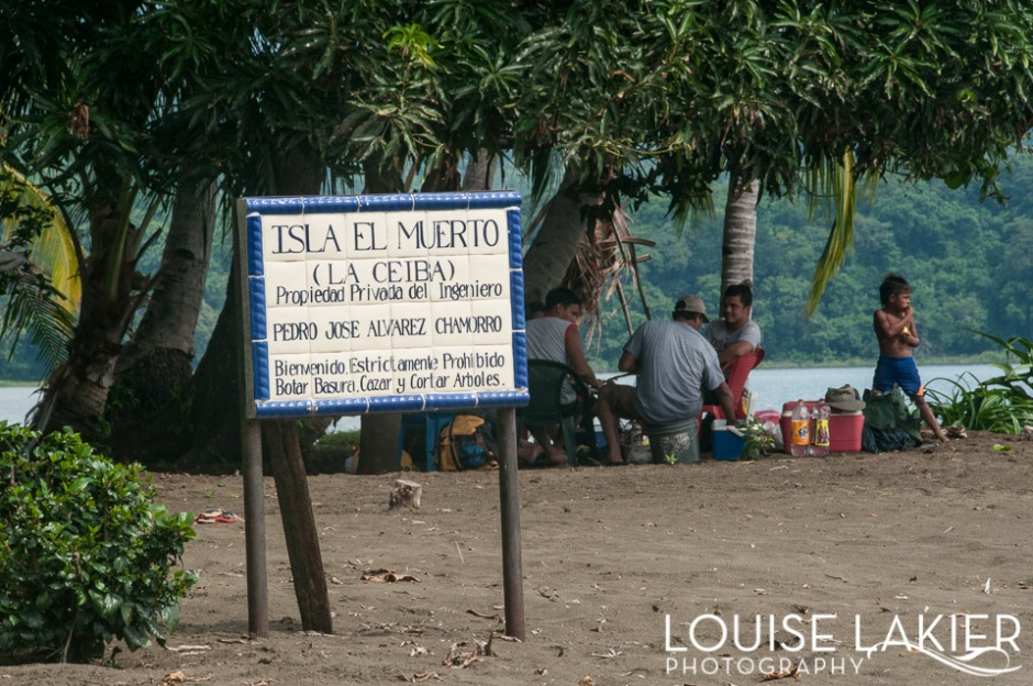 The Welcome sign for Isla El Muerto