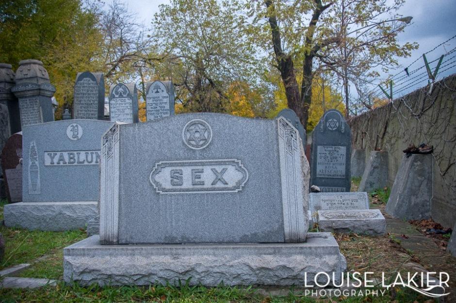 A gravestone in the Oakwoods Cemetery